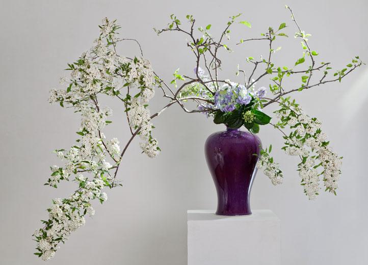 ortensia e ramo fiorito - ikebana di Akiko Gonda
