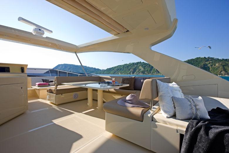 Yacht Mochi - Gruppo Ferretti- fly bridge