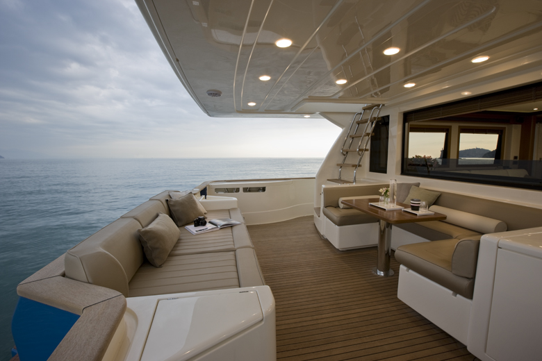 Yacht Long Range 23 Mochi Ferretti