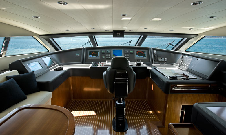 Yacht Ferretti Custom Line 112 - timoneria